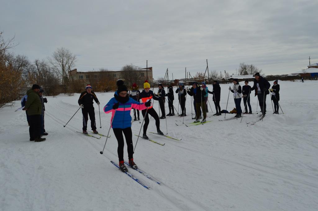 лыжники.JPG